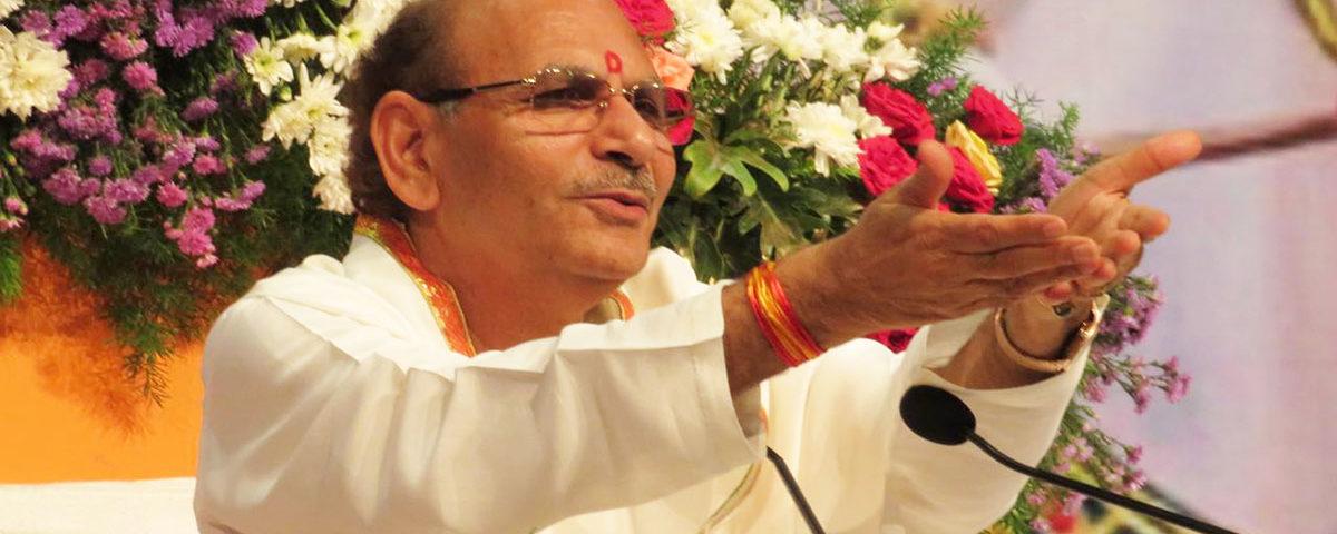 serve-the-society-as-well-SudhanshujiMaharaj